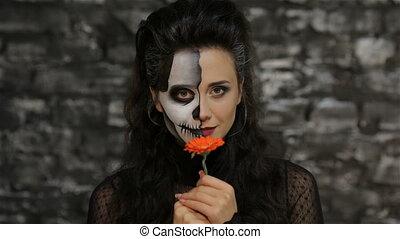 vrouw, bloem, ruiken