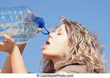 vrouw, dorstig, blonde , woestijn