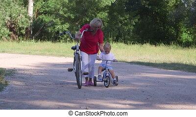vrouw, fiets karen, leren, kind, senior