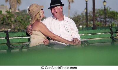 vrouw, kus, bejaarden, klesten, man