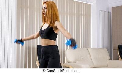 vrouw, levend, jonge, sportende, kamer, beoefenen