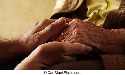 vrouw, oud, houden, jonge, op, hand, 2, huid, afsluiten, senior, rimpel, man