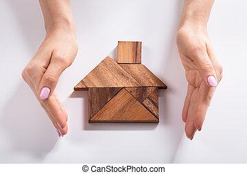 vrouw, tangram, houten huis, raadsel, gemaakt, beschermen