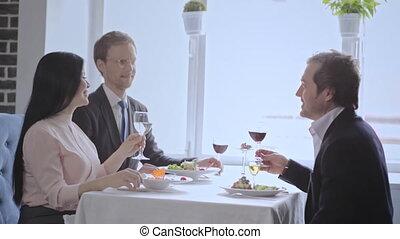 vrouwen, zakelijke lunch, restaurant, hebben, drie
