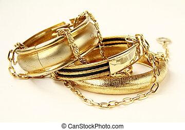 vrouwlijk, gouden juwelen, armbanden