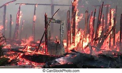 vuren huis, ground., brandwonden