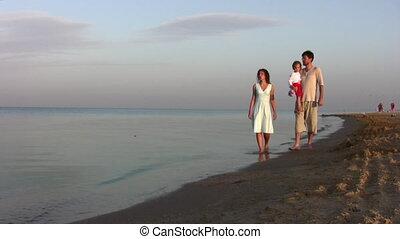 wandelende, strand, meisje, gezin