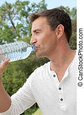 water, drinkende fles, man