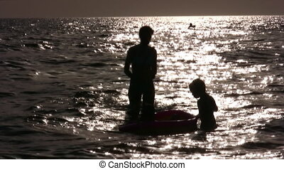 water, silhouette, kinderen, moeder