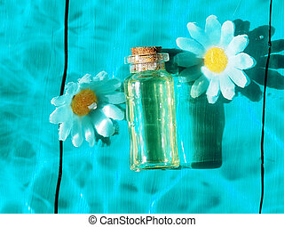 water, transparant, zonlicht, verdoezelen, schoonmaken, golven, moisturizing, bloemen, olie, blauwe , schoonheidsmiddel, fles, zomer, achtergrond.