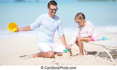 weinig; niet zo(veel), dochter, vader, tropische , zand, vervaardiging, kasteel strand
