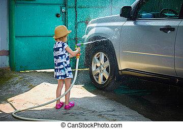 weinig; niet zo(veel), haar, wasstraat, ouders, hulp, meisje