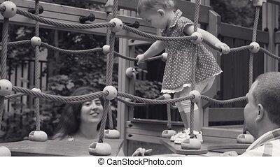 weinig; niet zo(veel), wandelende, koord, speelplaats, baby meisje