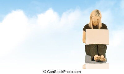 werkende , draagbare computer, vrouw