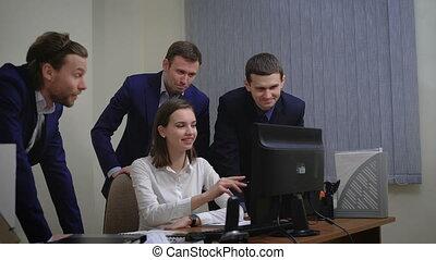 werkende , groep, zakenkantoor, mensen, binnen, jonge, hebben, vergadering