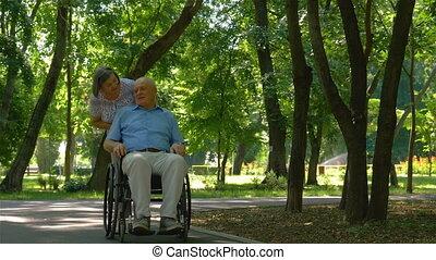 wheelchair, vrouw, senior, voortvarend, echtgenoot