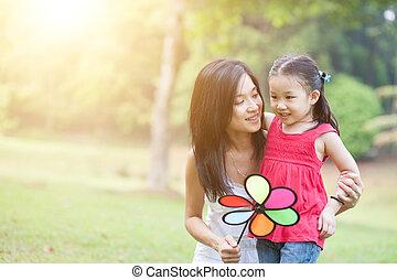 windmolen, dochter, park., groene, aziaat, moeder het spelen