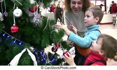 winkel, schouwend, boompje, kinderen, moeder kerstmis