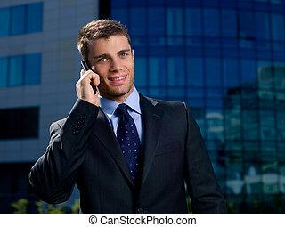 zakenman, buiten