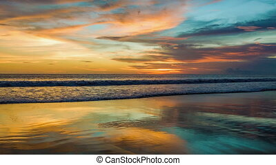zand, ondergaande zon , weerspiegelingen, oceaan