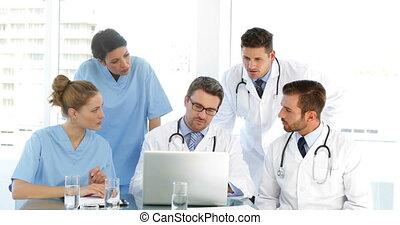 zijn, personeel, arts, duri, het spreken