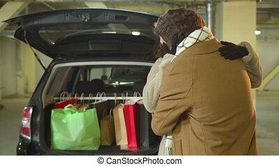 zijn, verrassing, man, wife., maakt, shoppen , parkeren