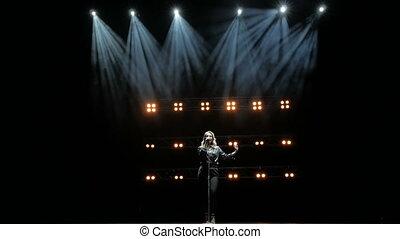 zingt, lights., zinger, mooi, jonge, toneel, lied, rook