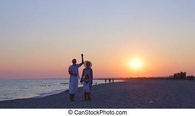 zomer, vlieger, gezin, vliegen, vakantie, zand, ondergaande zon , het genieten van, strand