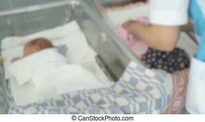 zuigeling, medisch, pasgeboren, kamer, verpleegkundige, swaddles