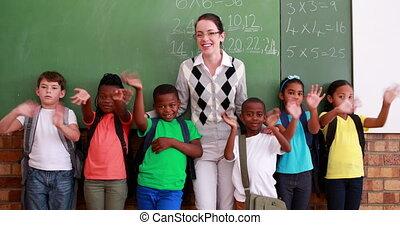zwaaiende , leraar, fototoestel, leerlingen